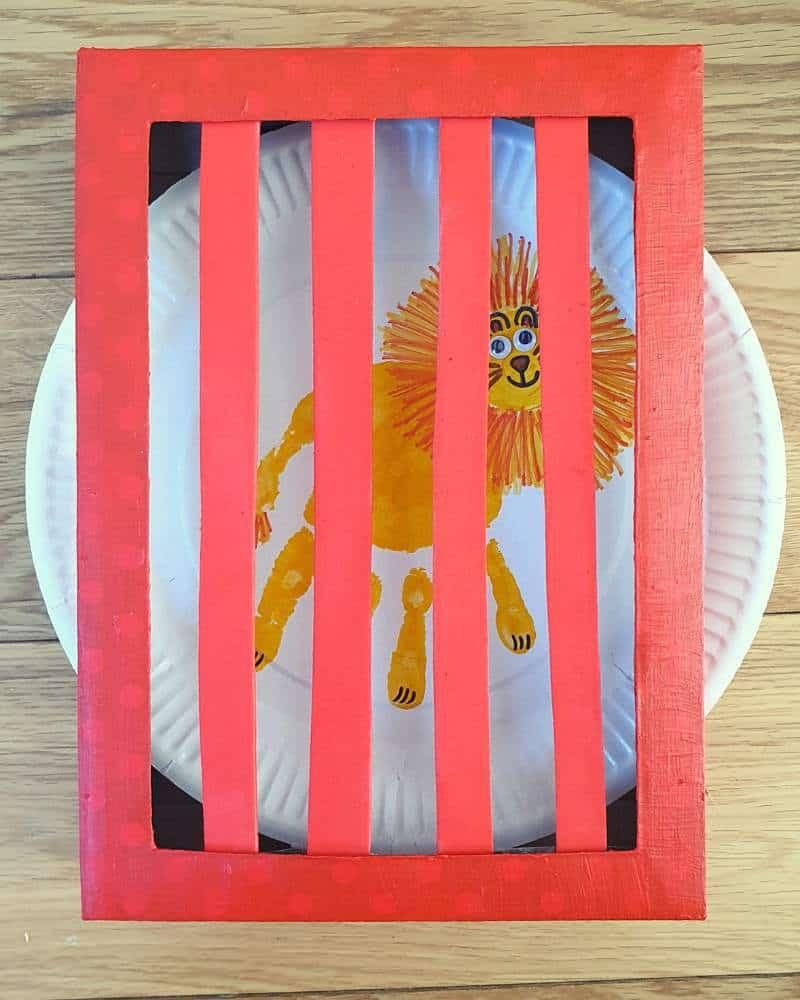 dear zoo animal hand print crafts cage